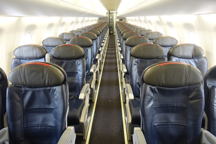 Fabulous 5 Reasons I Love The Embraer 175 One Mile At A Time Cjindustries Chair Design For Home Cjindustriesco