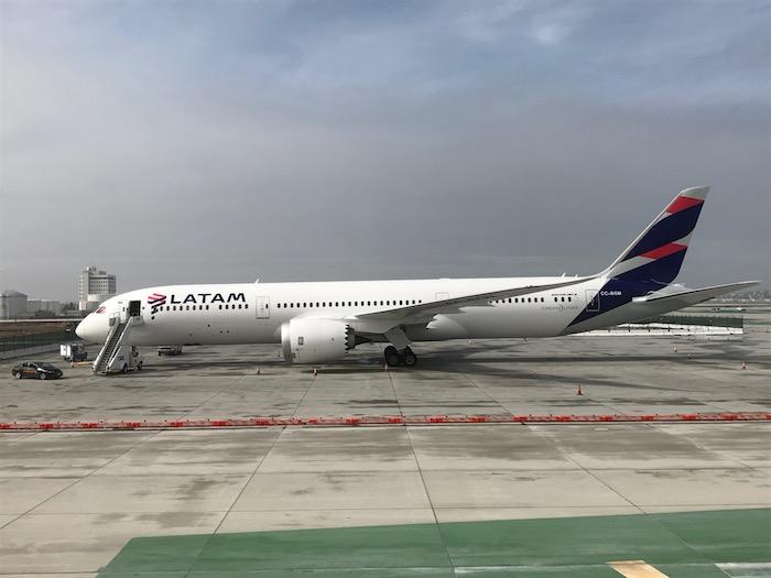 EVA-Air-Business-Class-777 - 24