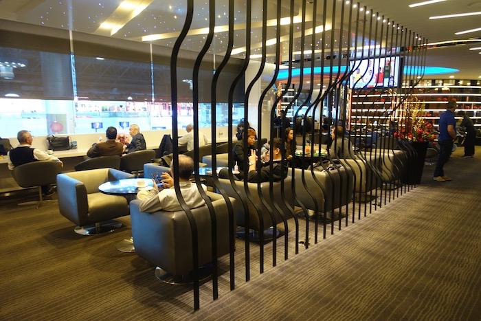 EVA-Air-Lounge-Taipei-Airport - 14