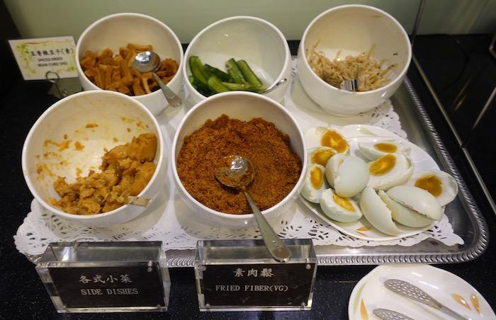 EVA-Air-Lounge-Taipei-Airport - 25