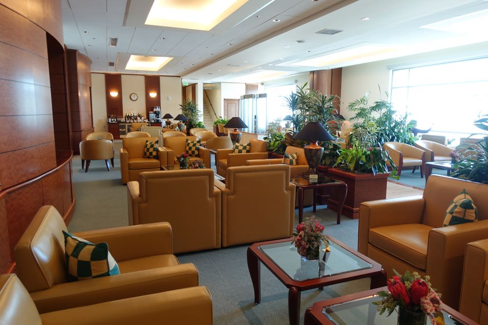 Emirates-Lounge-SFO-06