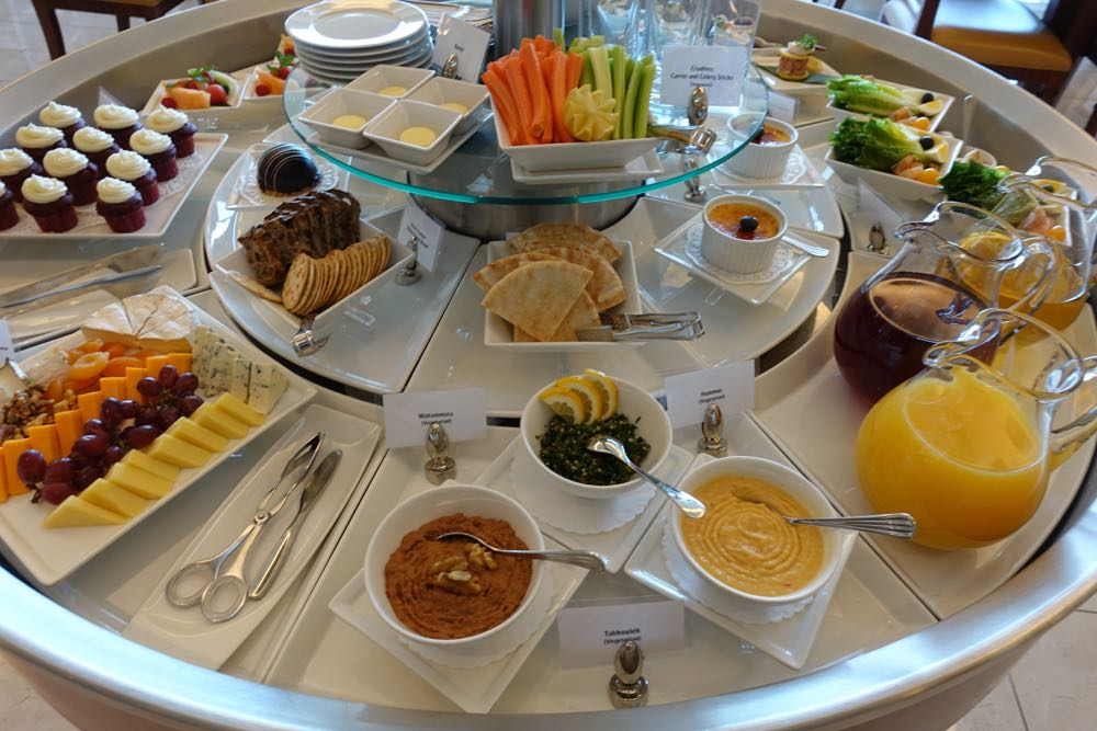Emirates-Lounge-SFO-13