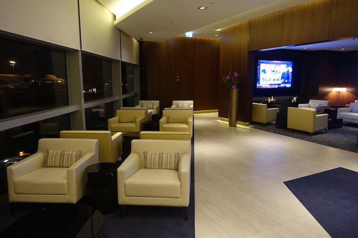 Etihad-First-Class-Lounge-Abu-Dhabi - 12