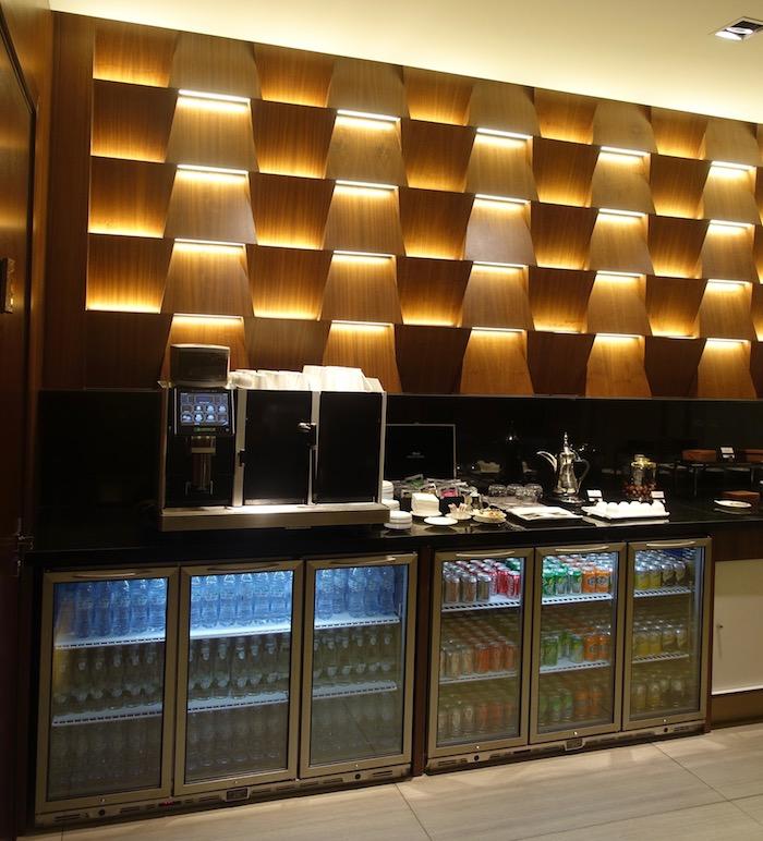 Etihad-First-Class-Lounge-Abu-Dhabi - 19