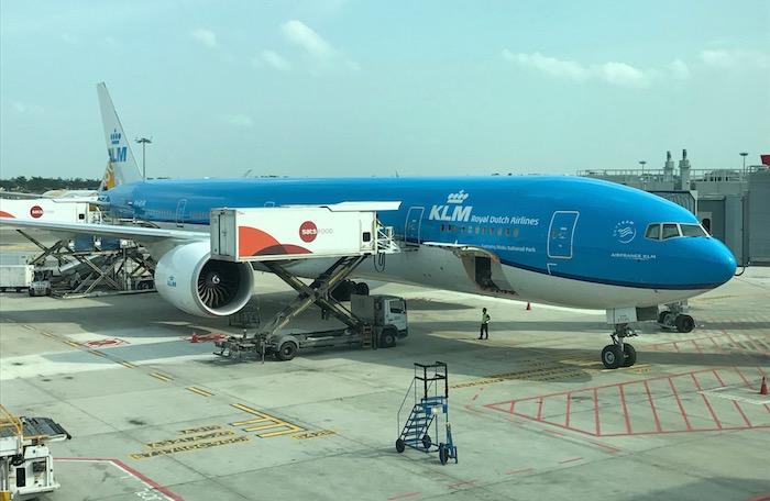 KLM-777-Business-Class - 1