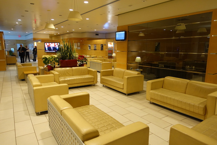 Review Alitalia Lounge New York Jfk One Mile At A Time