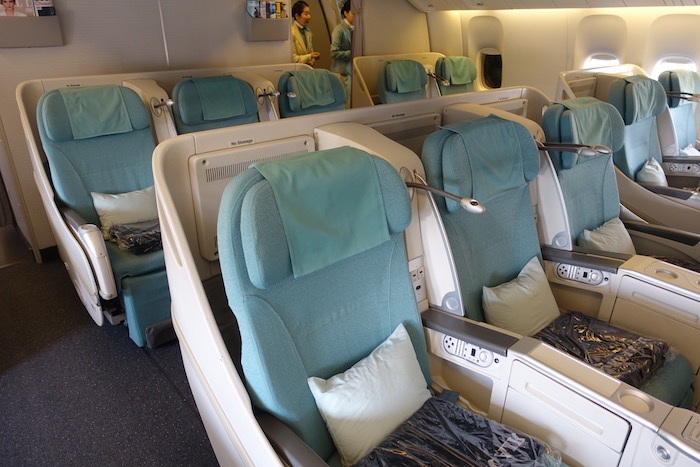 korean air 777 business class in 10 pictures one mile at. Black Bedroom Furniture Sets. Home Design Ideas