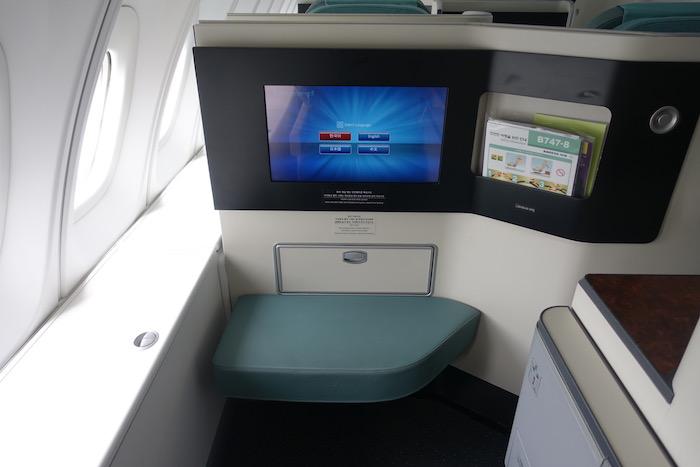Korean-Air-Business-Class-747-8 - 12
