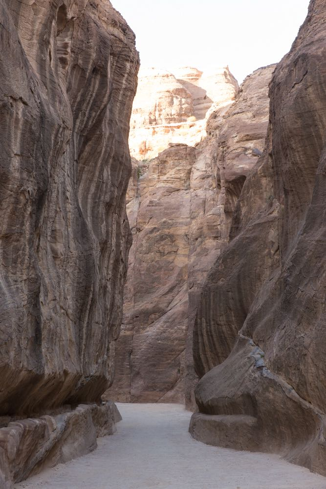 f8569adddb2afd Petra Jordan 08. I especially loved how the canyon narrowed in ...