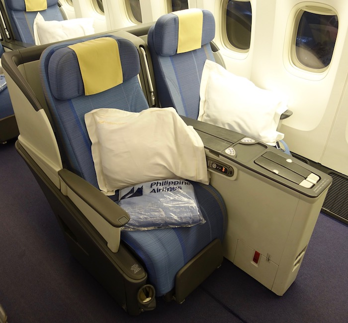 Philippine-Airlines-Business-Class-777 - 4