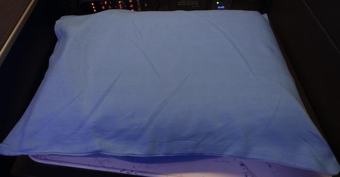 United-Polaris-Memory-Foam-Pillow