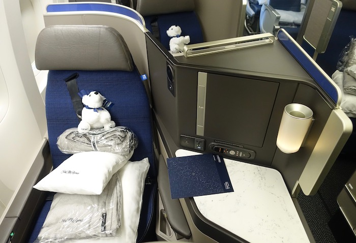United Polaris Seat 3 One Mile At A Time