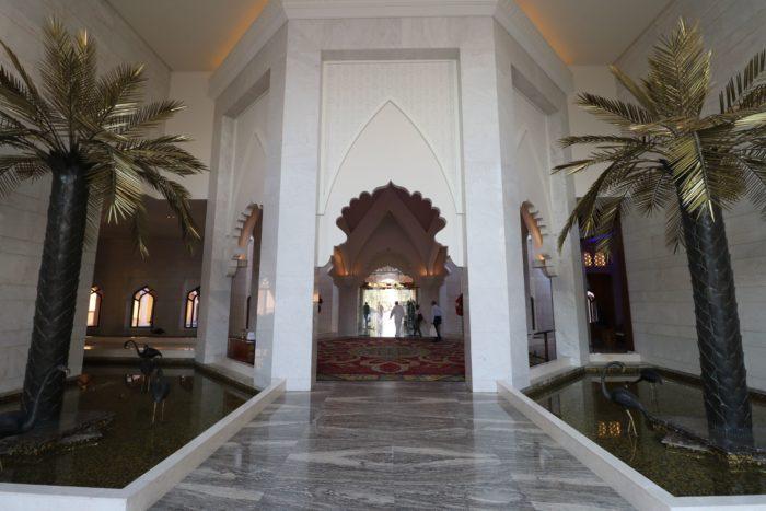 Shangri-La Barr Al Jissah Resort entryway