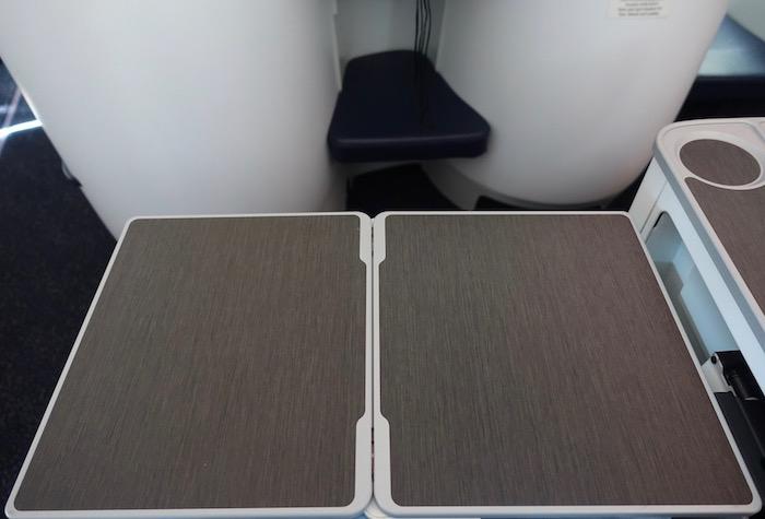 Kuwait-Airways-777-Business-Class - 11