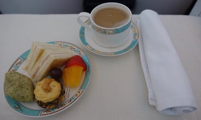 Kuwait-Airways-777-Business-Class - 41