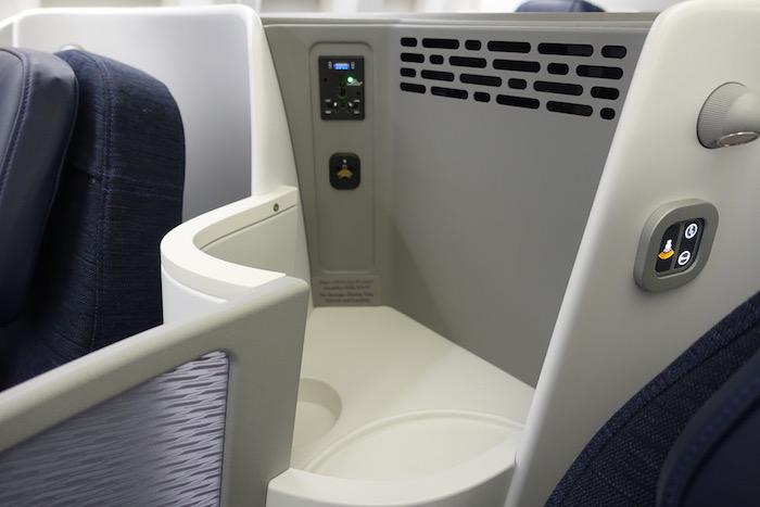 Kuwait-Airways-777-Business-Class - 7