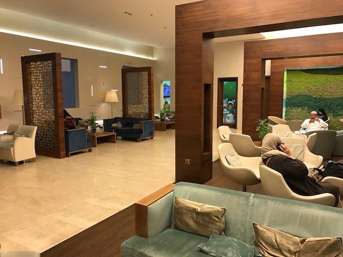 Kuwait-Airways-Lounge - 12