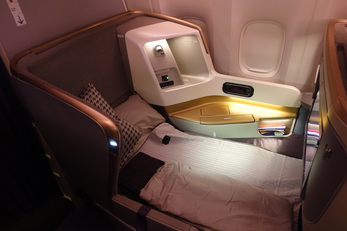 Singapore-777-Business-Class - 10
