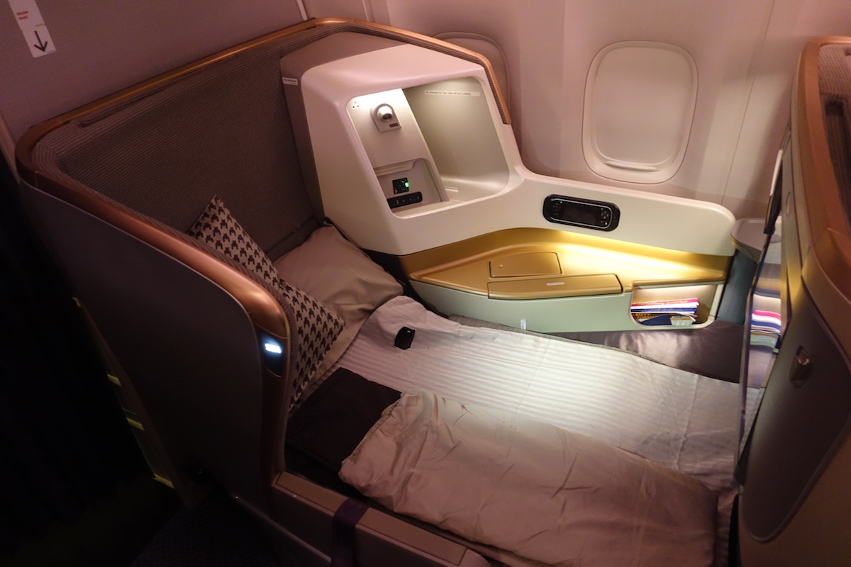 Review: Singapore Airlines Business Class 777-300ER Hong ...