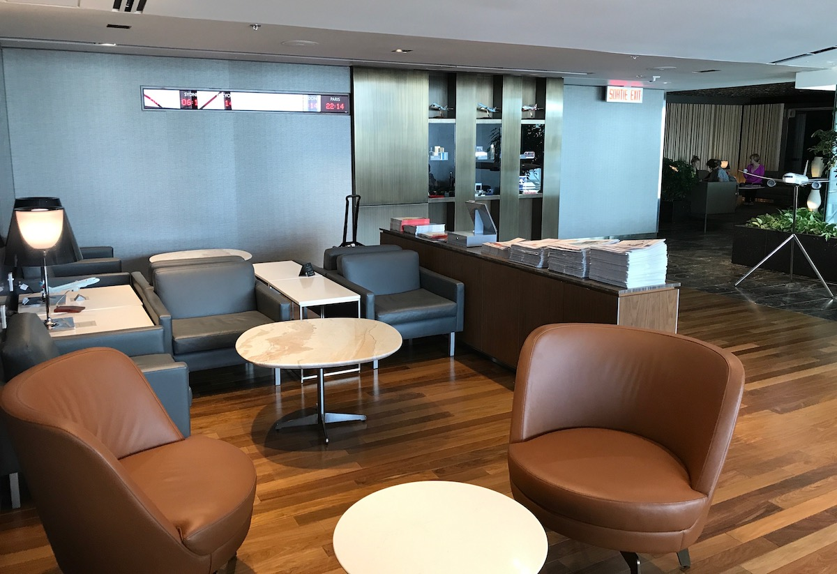 air canada lounge montreal 7 one mile at a time. Black Bedroom Furniture Sets. Home Design Ideas