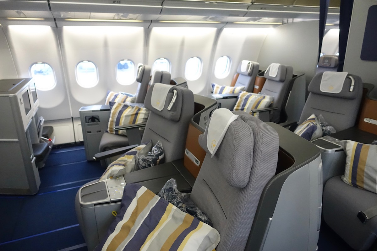 lufthansa business class a330 2 one mile at a time. Black Bedroom Furniture Sets. Home Design Ideas