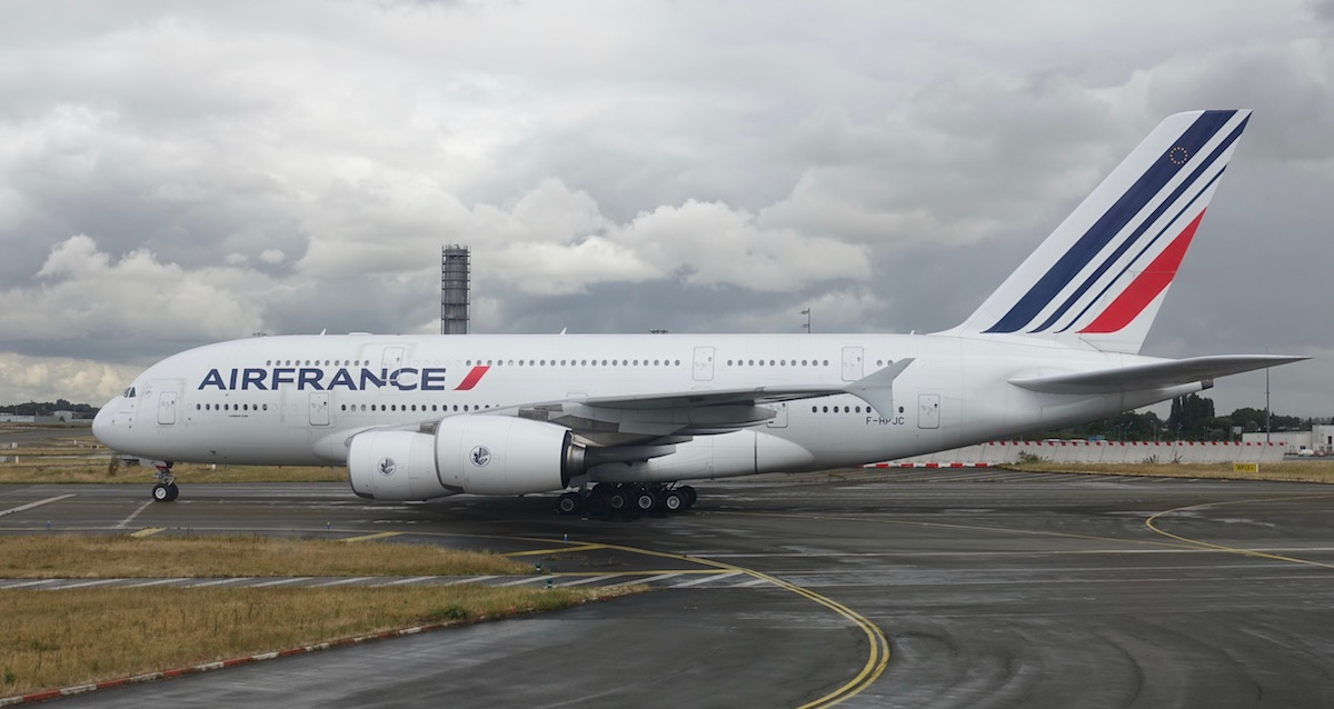 air france a380 loses part of engine over atlantic