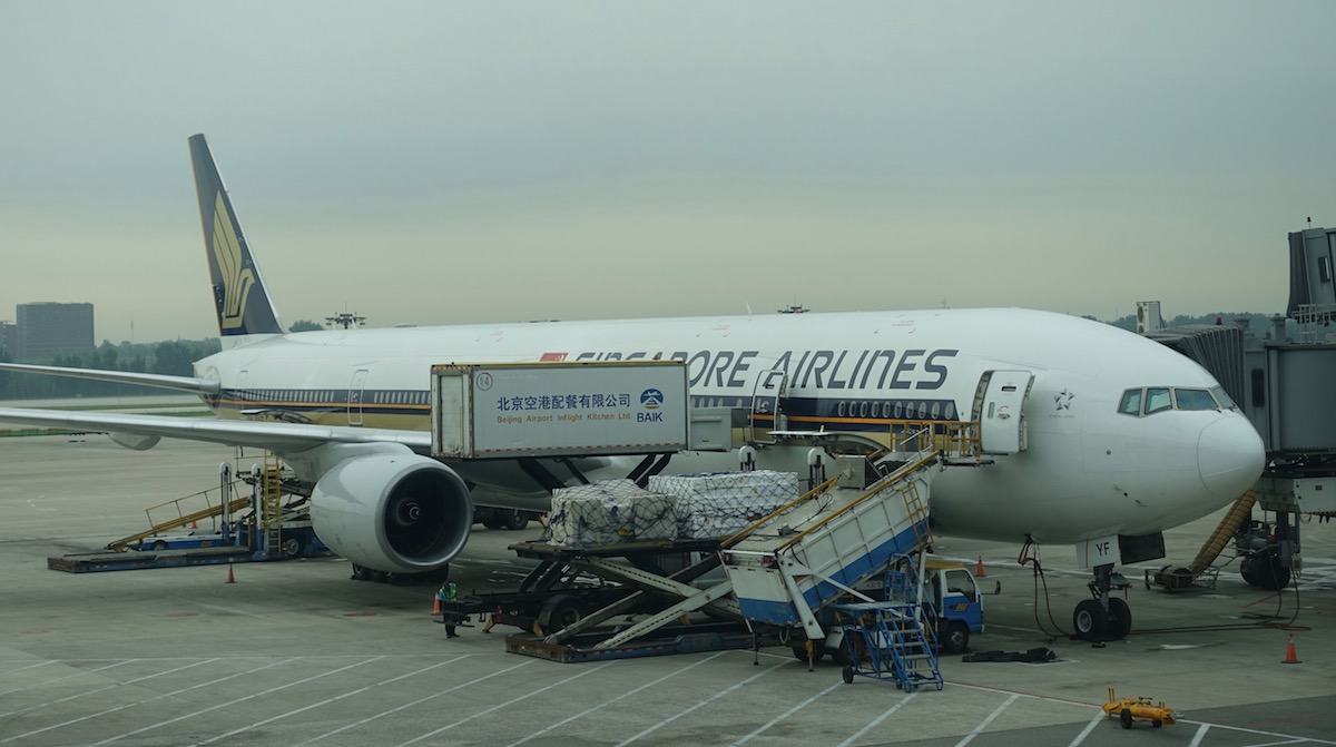Video: Fight Breaks Out Over Singapore Airlines Boarding Order - One ...