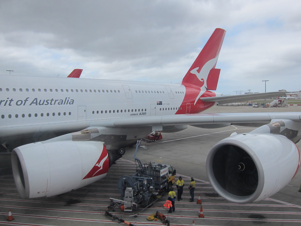 Qantas is cutting dubai flights changing up partnership - Emirates camera ...
