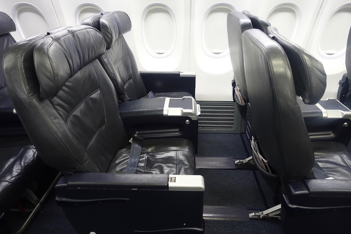 United 737 First Class 5