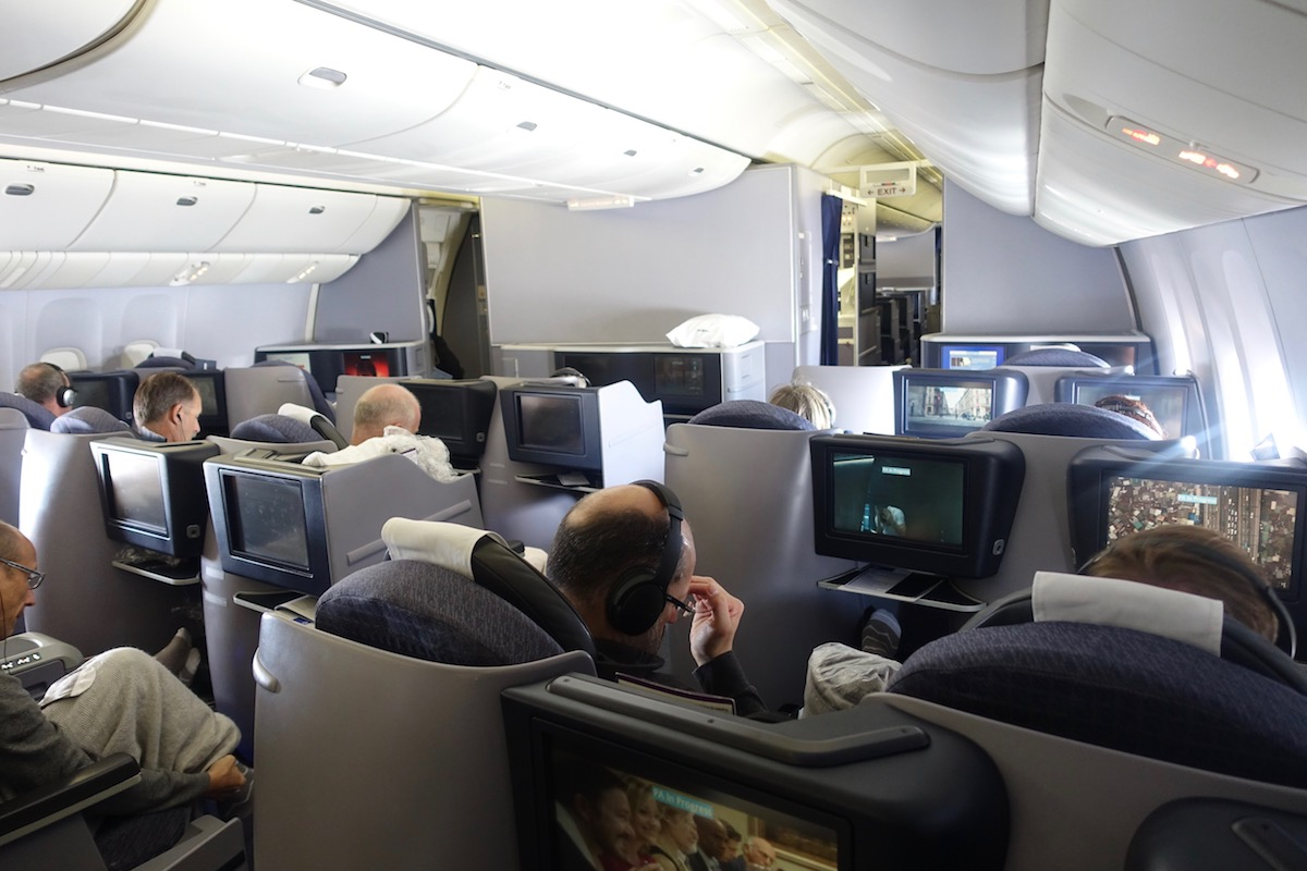 United Airlines 777 Cabin United-Business-Class-...
