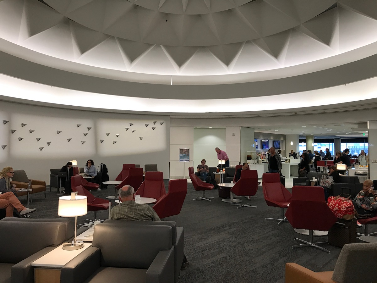 Review American Admirals Club Lax Terminal 5 One Mile