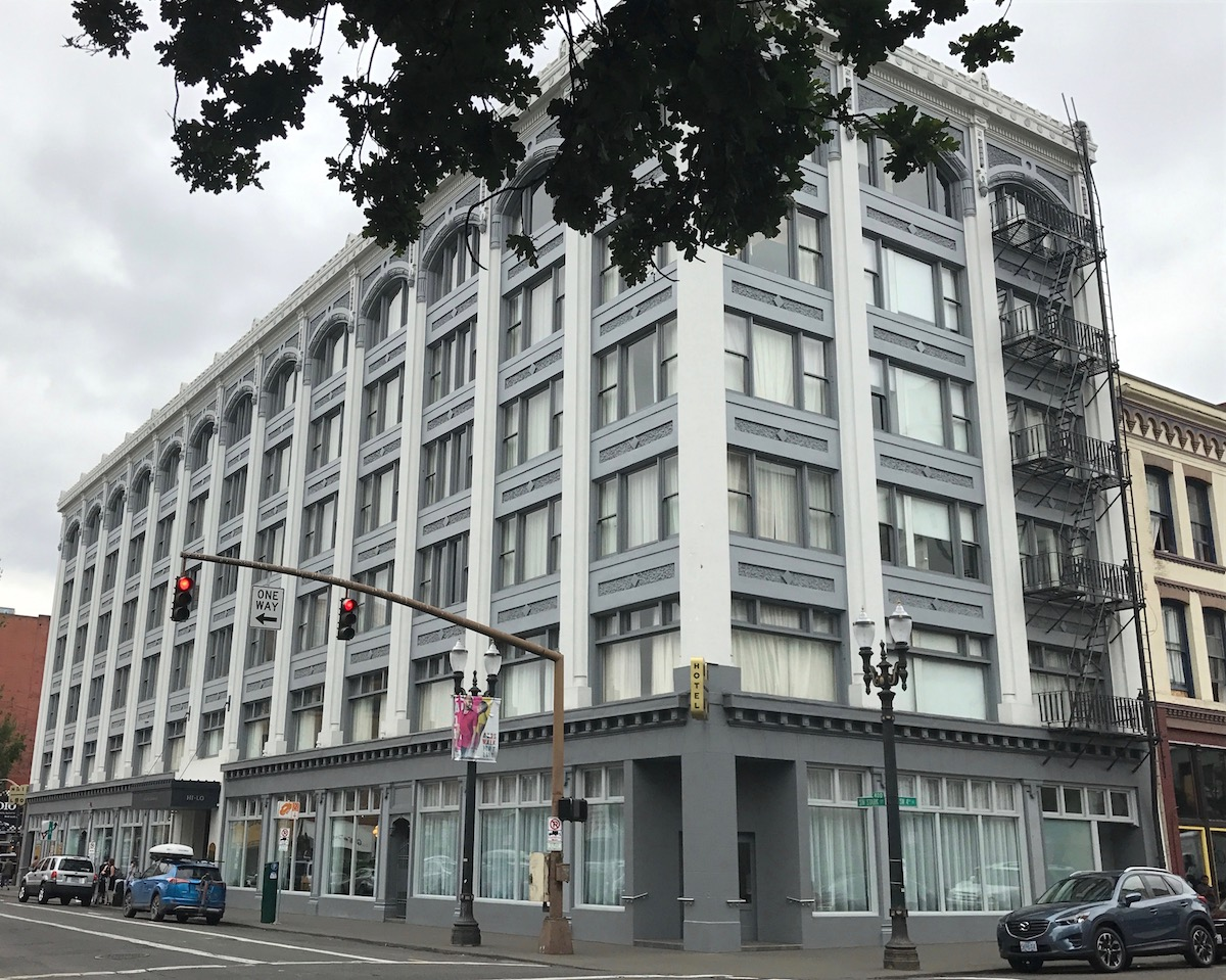 Review Hi Lo Hotel Portland One Mile At A Time