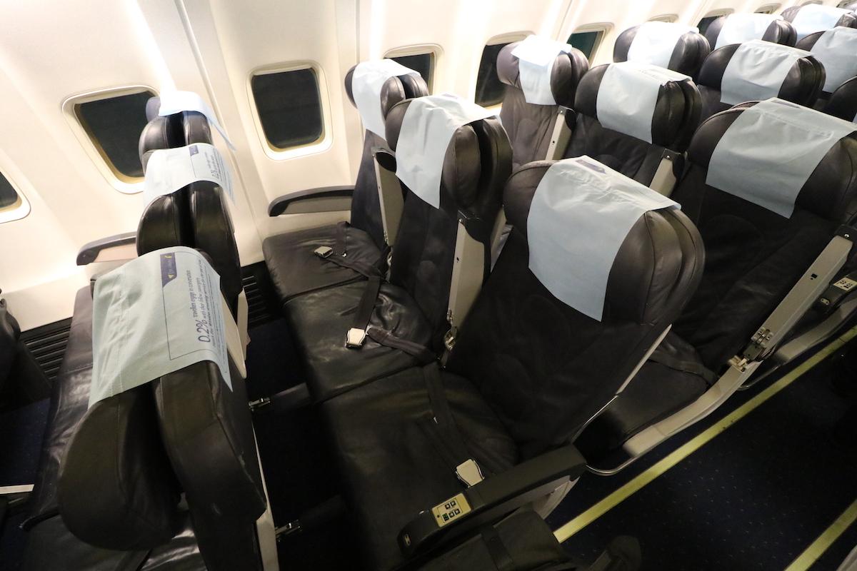 review jet airways   economy class chennai  mumbai  mile   time