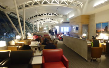 Admirals Club Los Angeles – 10