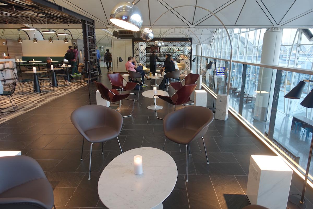 Centurion Lounge Hong Kong 17