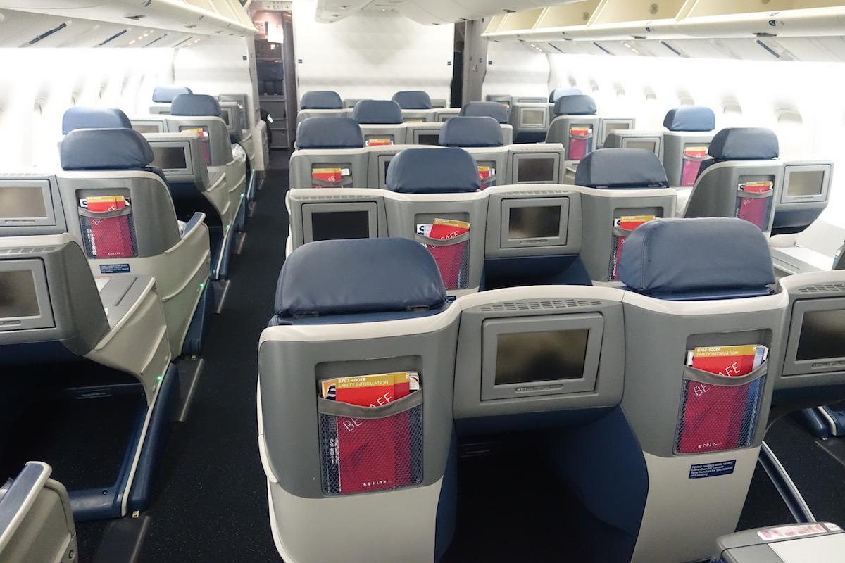 Delta One 767 1