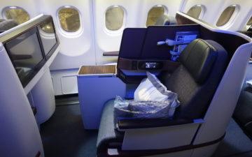 Qatar Airways A330 Business Class – 3