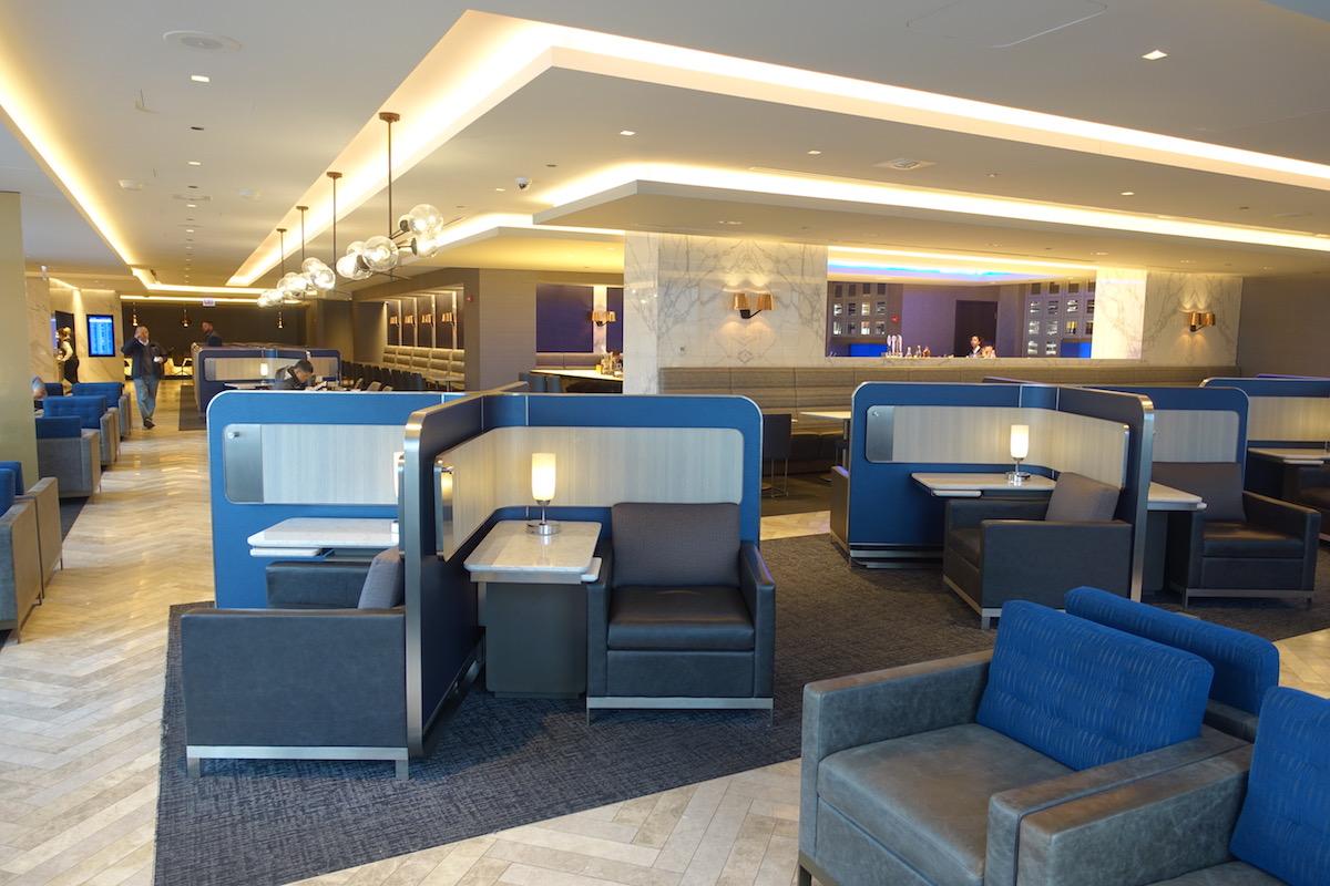 United Polaris Lounge Chicago Seating