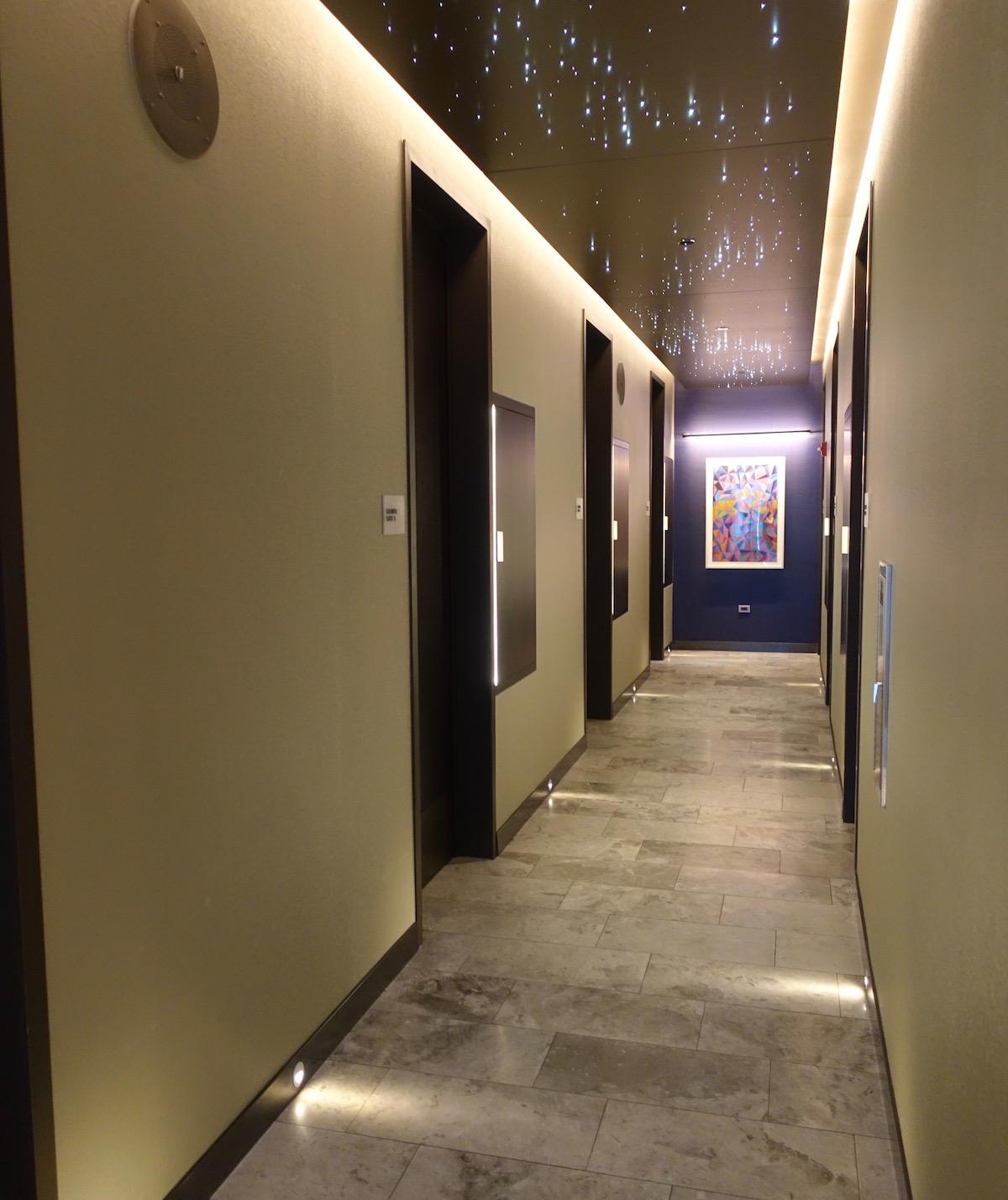 United Polaris Lounge Showers
