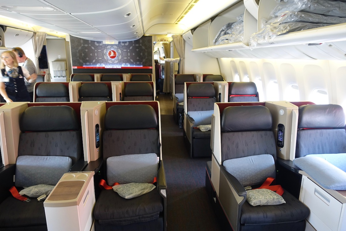 Turkish Airlines Business Class Turkish 777 Bus...