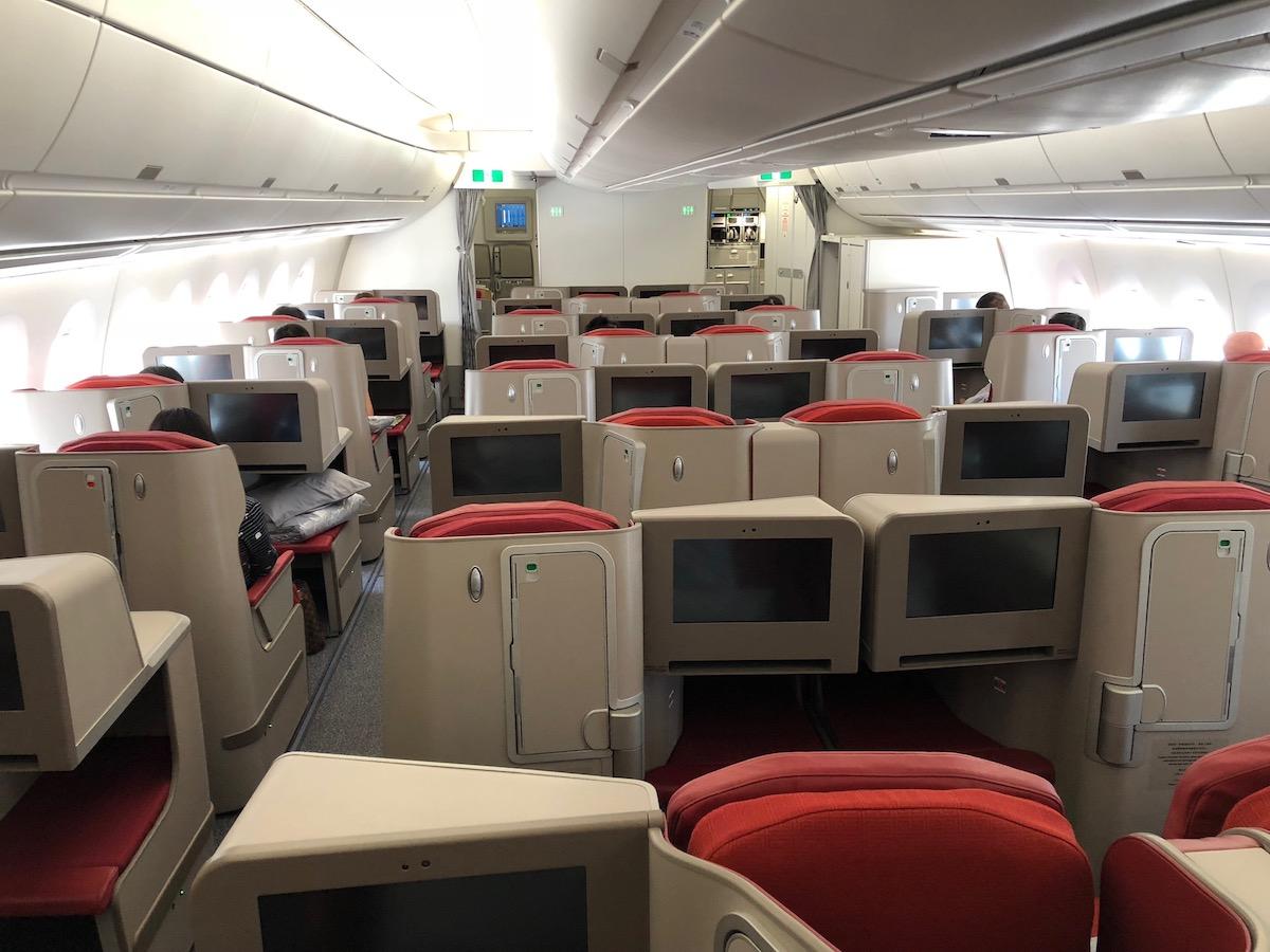 Hong Kong Airlines Suspends Inflight Entertainment