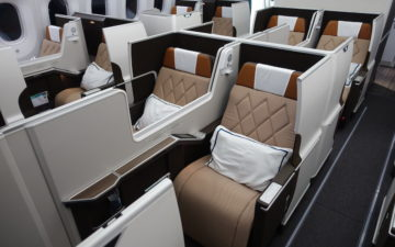 Oman Air First Class 787 – 1