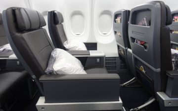 American 737 Business Class – 3