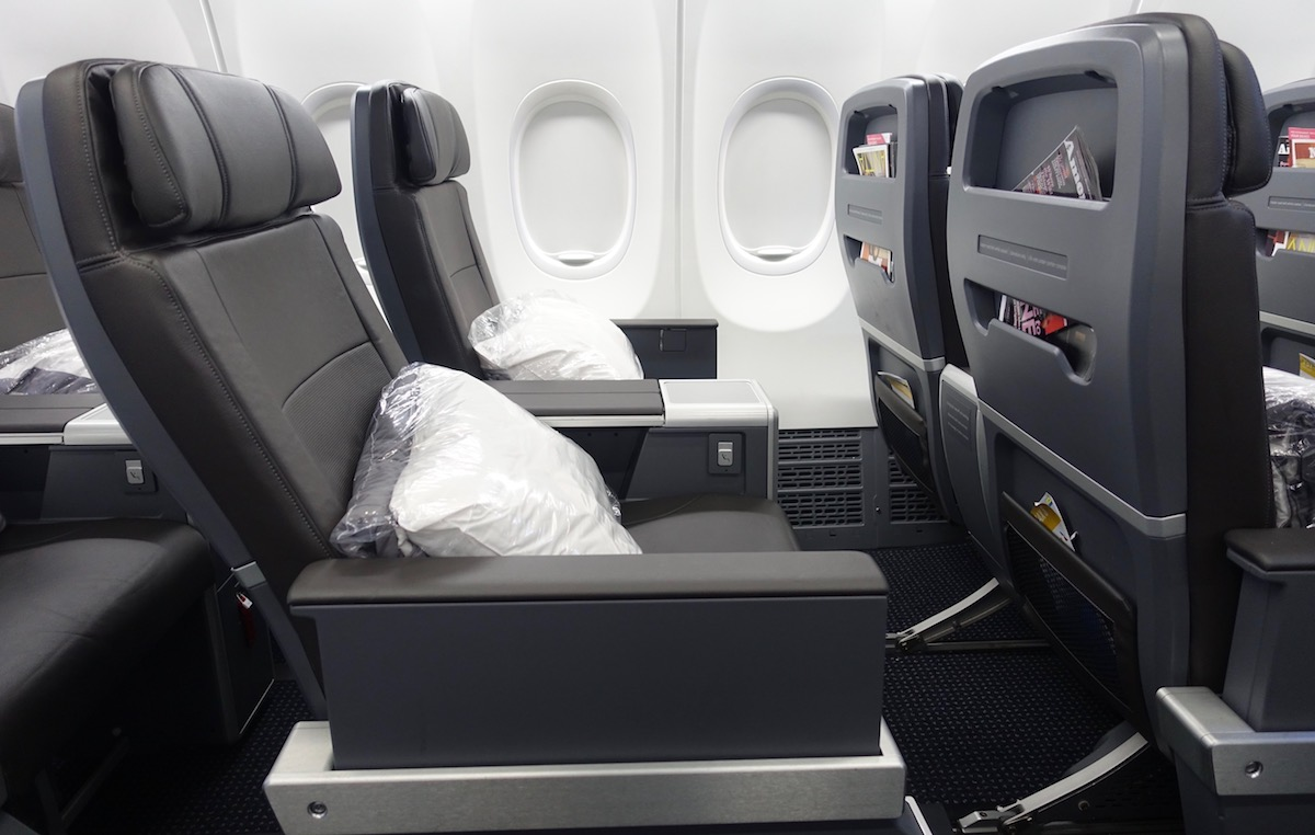 American 737 Business Class 3