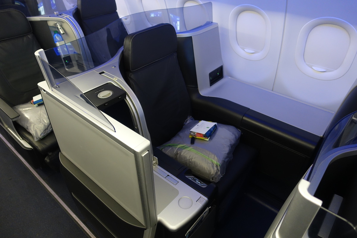 Review  JetBlue Mint A321 Boston To Los Angeles - One Mile at a Time 0721fa3f2bf14