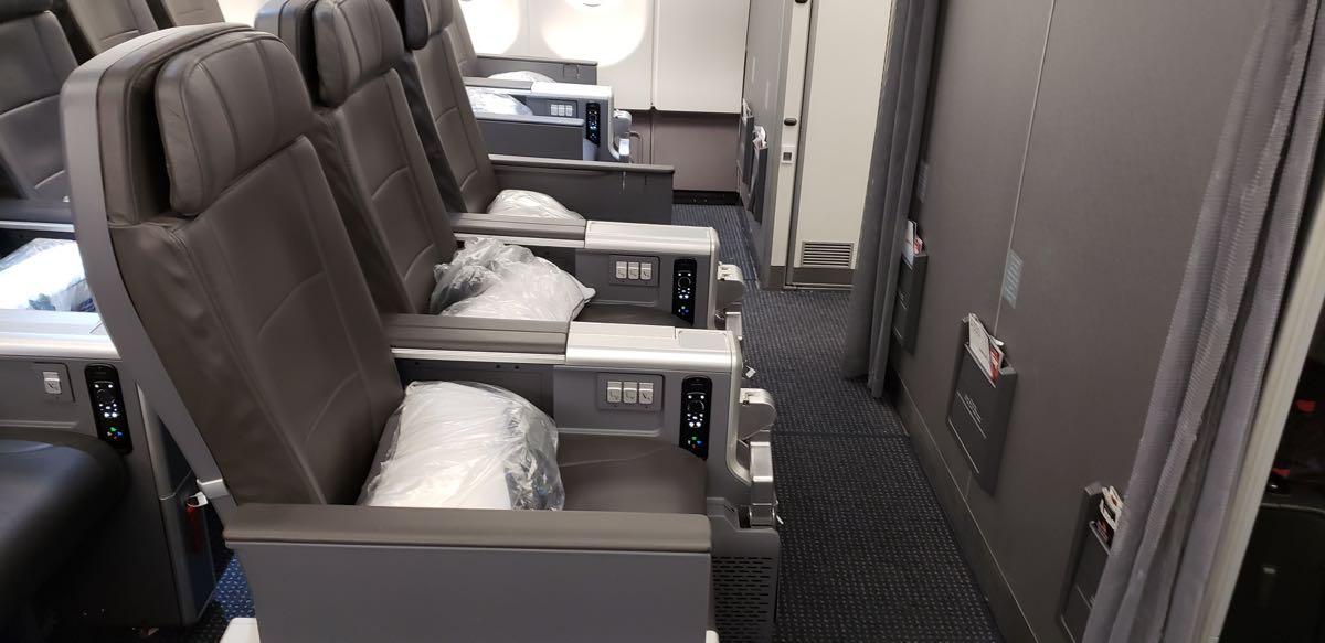 Mini Review American Airlines Premium Economy A330 200