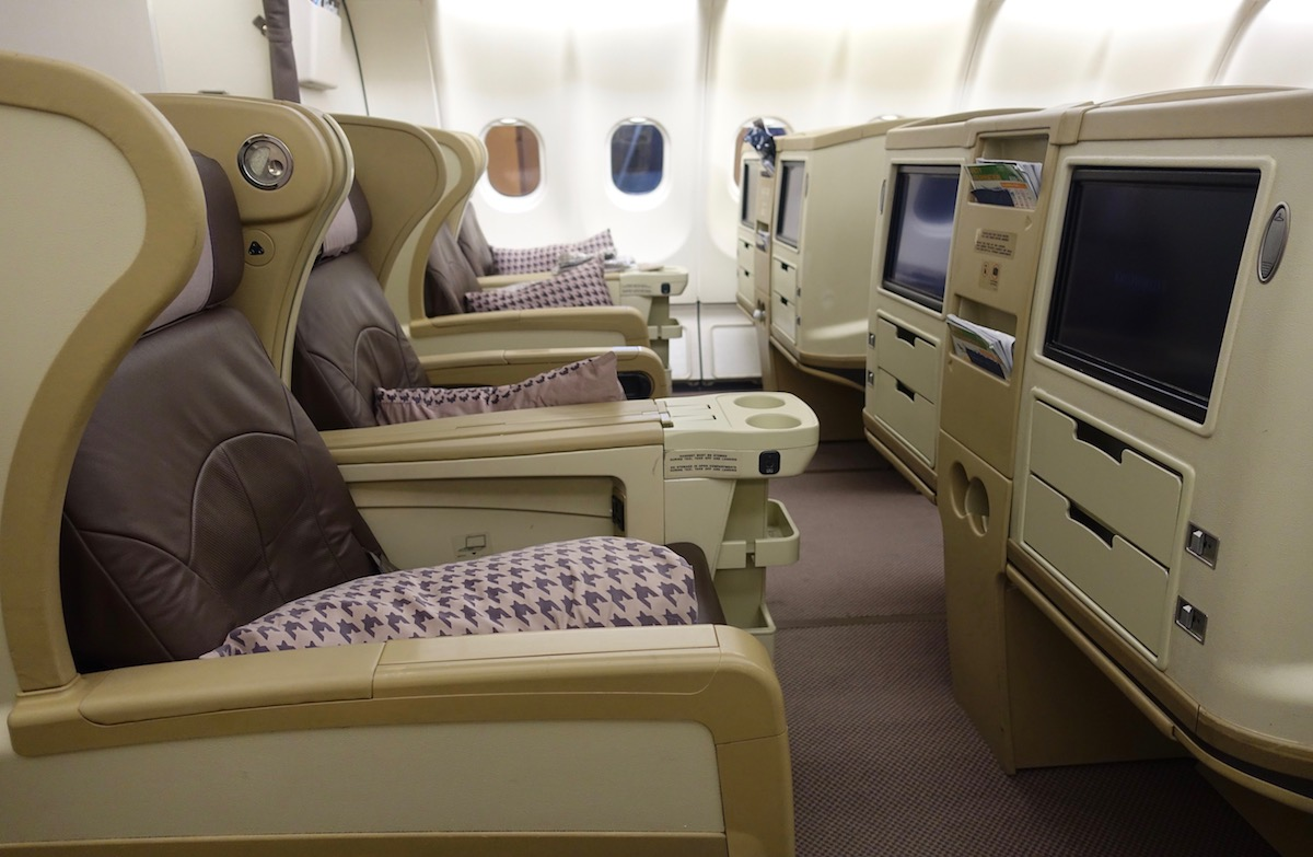 Review: Singapore Airlines Business Class A330 Ahmedabad To ...
