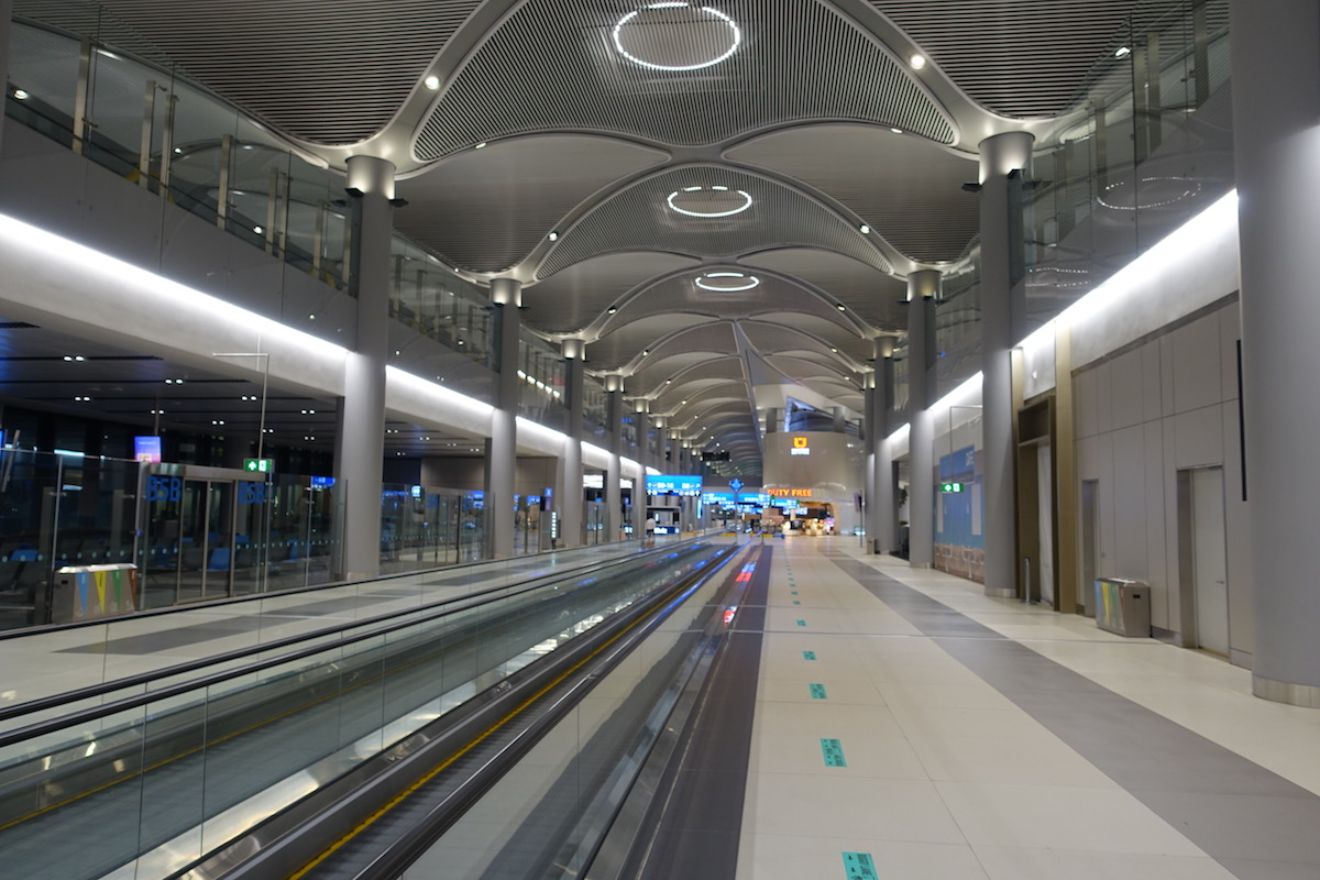 Istanbul's New Airport Is A Hot Beautiful Mess   One Mile at a Time