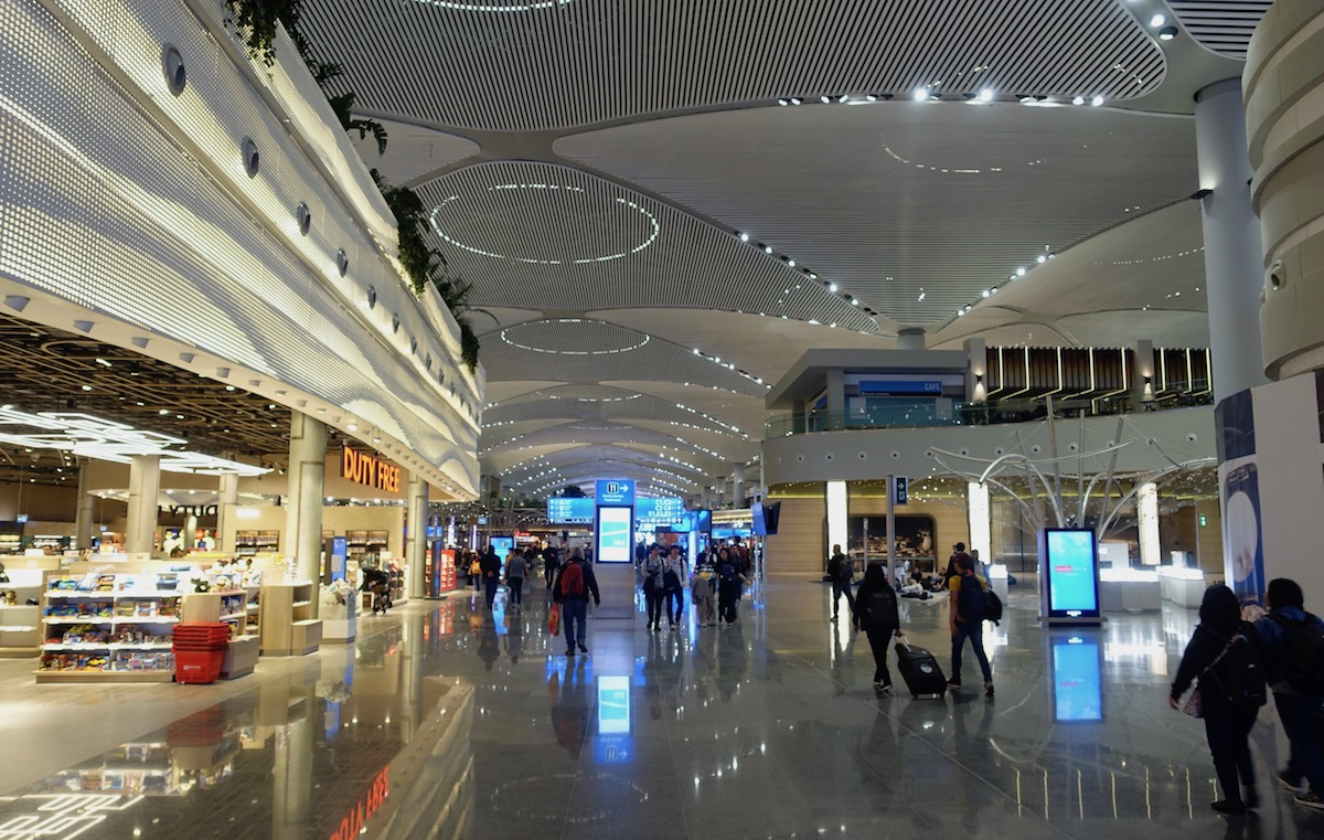 Rest Easy Things Could Be Lot Worse >> Istanbul S New Airport Is A Hot Beautiful Mess One Mile At A Time