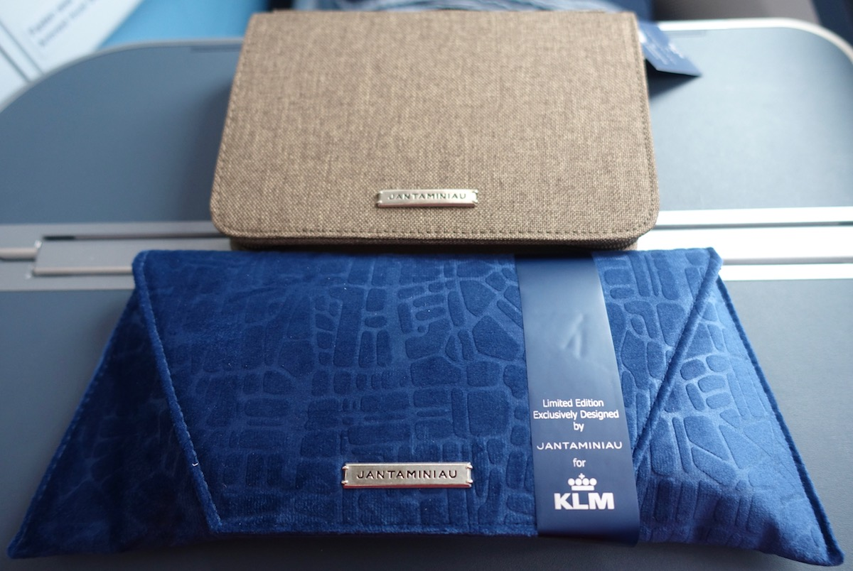 Review Of KLM's 787-9 Business Class 15